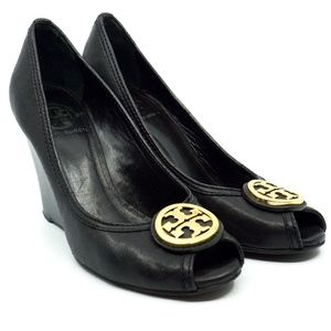 TORY BURCH~sally 2~PEEP TOE PUMP~BLACK LEATHER~9.5